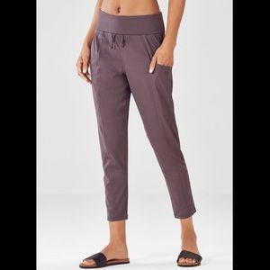 NWT Fabletics MAJ Pocket Pant Legging Sz S